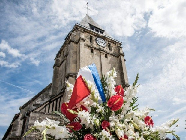 la_chiesa_di_saint-etienne-du-rouvrayvicinoaroueninnormandiafoto